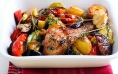 ΚΥΡΙΩΣ ΠΙΑΤΟ | Συνταγή για φουρνιστά μπουτάκια ή κοπανάκια κοτόπουλου με διάφορα λαχανικά