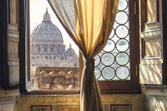 La cúpula de la basílica de San Pedro, en Roma, vista desde el Castel Sant'Angelo. Caravaggio, Travel Tips, Curtains, Home Decor, Travel Smash Book, Rome, Turismo, Insulated Curtains, Homemade Home Decor