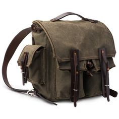 5 Pocket Backpack - Waxed Canvas Backpack | Saddleback Leather Co. (3 875 SEK) ❤ liked on Polyvore featuring bags, backpacks, leather bags, backpack bags, leather rucksack, leather daypack and brown leather backpack
