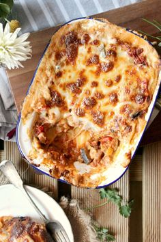 The Ultimate Vegan Lasagna: cheesy, saucy and bursting with creamy bechamel... this is to die for!