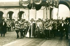 Coronation of King Ferdinand and Queen Marie of Romania, 1922 Queen Victoria Children, Princess Victoria, Princess Alexandra, Princess Beatrice, Murray Tennis, Romanian Royal Family, Bucharest Romania, Thing 1, The Beautiful Country