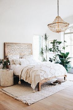 Bohemian Bedroom Decor Ideas - Discover how to master bohemian room decoration with these bohemia-style rooms, from diverse bed rooms to kicked back living spaces. Home Decor Bedroom, Bedroom Furniture, Home Furniture, Bedroom Ideas, Furniture Stores, Bedroom Inspo, Diy Bedroom, Girls Bedroom, Bedroom Inspiration