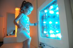 Friendship Circle: 5 Things to Consider When Planning a Sensory Room. Sensory Motor, Sensory Tubs, Sensory Wall, Sensory Rooms, Autism Sensory, Sensory Activities, Sensory Boards, Sensory Bottles, Sensory Therapy