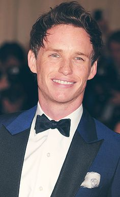"""Eddie Redmayne sporting a skull pocket square for the """"PUNK: Chaos To Couture"""" Costume Institute Gala"""