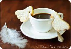 Angelic Coffee Looks kinda like swans or ducks drinking my coffee! But First Coffee, I Love Coffee, Coffee Break, My Coffee, No Cook Desserts, Cookie Desserts, Christmas Sweets, Christmas Baking, Christmas Time