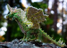 free dragon bead patterns | Green bead dragon by Thymetenor.deviantart.com Totally AWESOME!