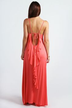 The back of this maxi dress tho>>