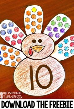 Fall is a great time of year in the primary classroom! Click through to see the great math and literacy centers you can use with your preschool, Kindergarten, or 1st grade students! This post has a particular emphasis on Thanksgiving games and centers for