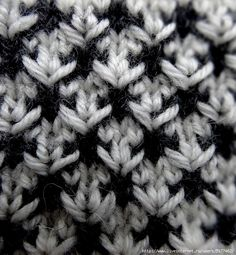 dk: Strikkemønster i 2 faver. Variation of slip stitch Knitting Basics, Knitting Stiches, Knitting Charts, Free Knitting, Crochet Stitches, Stitch Patterns, Knitting Patterns, Crochet Patterns, Knitting Designs