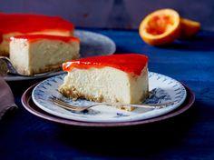 Unser beliebtes Rezept für Marzipan-Cheesecake mit Blutorangenguss und mehr als 55.000 weitere kostenlose Rezepte auf LECKER.de.