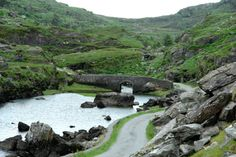 pagewoman:  Wishing Bridge Gap of Dunloe (Dún Lóich) Killarney...