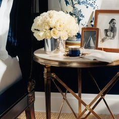 Sunday is nearly over. Love this soothing bedside image from @ralphlauren home