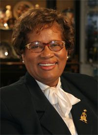 Joycelyn Elders (born Minnie Jones) - first person in Arkansas to become board certified in pediatric endocrinology. In 1993 became 1st black & 2nd woman to become Surgeon General of US.
