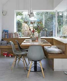 dining area with Eames DSW chairs, sala de jantar Wood House Design, Design Room, Design Bathroom, Dining Area, Kitchen Dining, Kitchen Seating, Built In Dining Room Seating, Dining Rooms, Pine Kitchen