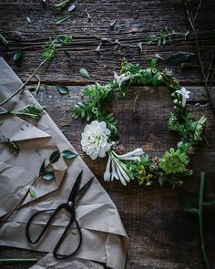 A throwback to floral crown days. It's wreath making season and this year I'm feeling really inspired by florals...I think some blooms might be weaving their way into this year's wreaths. So excited to make wild flerpy wreaths full of green and jewel toned fleurs. And who knows I might go all pixie tyrant and force my lady guests to wear floral crowns at this year's Christmas party...I jest. Maybe. #theartofslowliving by local_milk