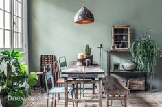 One World Interiors - Market table & Java iron chairs - Picture: Paulina Arcklin