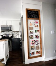 Christmas Card Display Frame with Chicken Wire and Chalkboard (Ana White) Furniture Plans, Diy Furniture, Furniture Dolly, Modern Furniture, Furniture Design, Easy Diy Projects, Home Projects, Christmas Card Display, Christmas Cards