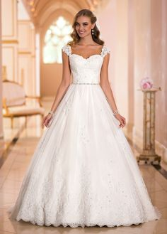 Fabulous Tulle Sweetheart Neckline Natural Waistline Ball Gown Wedding Dress