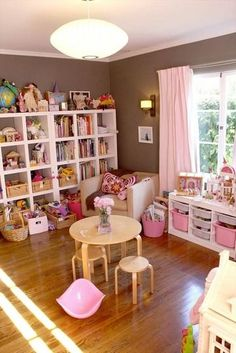 10 Creative Toy Storage Tips For Your Kids Playroom Sala De Playroom Organization, Playroom Ideas, Ikea Playroom, Playroom Furniture, Playroom Design, Organization Ideas, Playroom Curtains, Disney Playroom, House Furniture