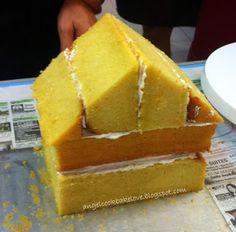 Richard Goh's Cake Deco Class How to Make House Cake? Cake Decorating Designs, Cake Decorating Supplies, Cake Decorating Techniques, Decorating Tips, 3d Cakes, Fondant Cakes, Cupcake Cakes, Fondant Rose, Fondant Baby