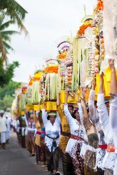 Galungan is een belangrijk feest voor de Balinese hindoes. http://www.333travelblog.nl/2013/03/kleurrijke-festivals/