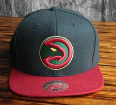 competitive price efd51 15aa2 Atlanta Hawks Mitchell   Ness Heather Holiday Snapback Hat