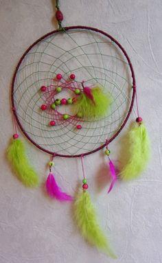 attrape rêves  dreamcatcher yahiafuchsia et vert par junglecheyen