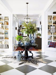 Mix and Chic: Home tour- A casually chic, coastal California showhouse!