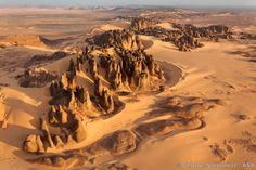 Inakashaker (named after a kind of locally-found bush in Tuareg language), an area of beautifully eroded rock five hours drive SE of Tamanra...