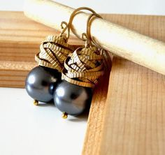 Great pearl and gold earrings
