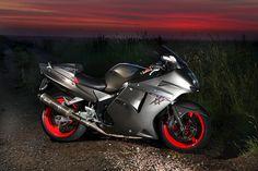 Honda Super Blackbird bikes for sale and free price guide. Cbr, Honda Motorcycles, Cars And Motorcycles, Dodge, Pagani Zonda R, Motorcycle Lights, Bike Pic, Sportbikes, Hot Bikes