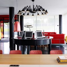 View deals for citizenM Paris Charles de Gaulle. Near Paris Nord Villepinte Exhibition Centre. WiFi is free, and this hotel also features a restaurant and a bar. Boutique Hotel Paris, Citizen M Hotel, Lobby Reception, Airport Hotel, Paris Hotels, Plan Design, Sitting Area, Indoor, Room