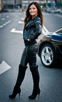 Heels & Babes : Photo