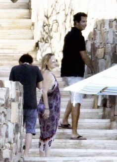 Kate Hudson in Cabo San Lucas