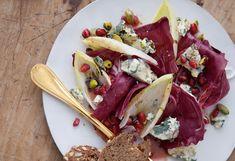 Winterlicher Salat mit Bleu d'Auvergne, Granatapfel und Pistazien