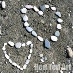 Nature Play Ideas: Land Art There are a LOT of different arts and crafts ideas on this site.
