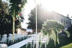 outdoor ceremony http://weddingwonderland.it/2015/10/matrimonio-castello-di-labro.html
