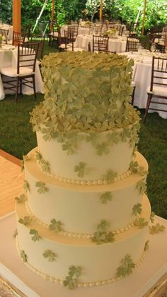 Four leaf clover cake cute