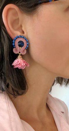 Summer trends Powder pink earrings soutache earrings soutache flower earrings pale pink clip on earrings soutache ohrringe clip on earrings Soutache Necklace, Pink Necklace, Pink Earrings, Bridal Earrings, Flower Earrings, Clip On Earrings, Head Jewelry, Pink Jewelry, Turtle Earrings