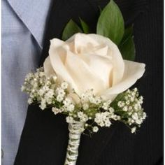 Flower for groom and groomsmen. Different color string