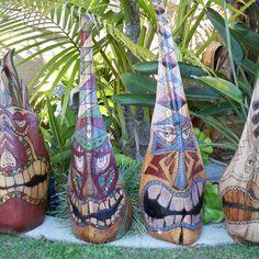 Tiki Leeke Photos on Myspace Palm Tree Crafts, Palm Tree Art, Palm Trees Beach, Palm Tree Leaves, Palm Frond Art, Palm Fronds, Yard Art Crafts, African Art Paintings, Tiki Mask