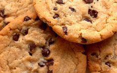 If you are looking for the best chocolate chip cookie recipe, you've found it. Baking chocolate chip cookies is easy with this original Toll House recipe. Best Chocolate Chip Cookie, Sugar Free Chocolate, Big Chocolate, Healthy Chocolate, Chocolate Chips, Cake Mix Cookies, Cookies Et Biscuits, Diabetic Snacks, Diabetic Recipes