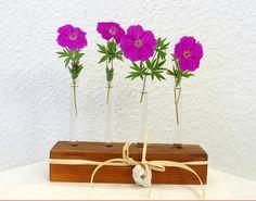 Holzvase Eiche,  Blumenvase 4 Reagenzgläser von SchlueterKunstundDesign - Wohnzubehör, Unikate, Treibholzobjekte, Modeschmuck aus Treibholz auf DaWanda.com