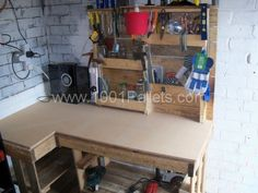 Pallet Workbench & toolrack | 1001 Pallets