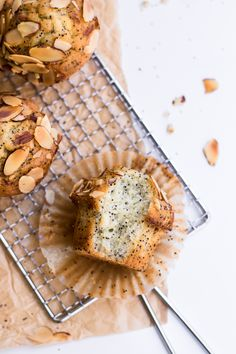 ... healthy almond poppy seed muffins ... #recipe #glutenfree
