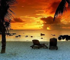 would love to be there right now with my hunny drinking my frozen strawberry margarita.    Ahhhhh!