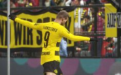 Download wallpapers Evolution Soccer 2018, BVB, Andrey Yarmolenko, PES 2018, football simulator, Borussia Dortmund, soccer, Bundesliga, Andriy Yarmolenko