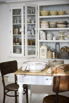 Kitchen, Leila Lindholm