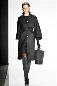 Chado Ralph Rucci - Fall Winter 2009/2010 Ready-To-Wear - Shows - Vogue.it<> thys is a Ol #MEAN ass #Coat right HERE!