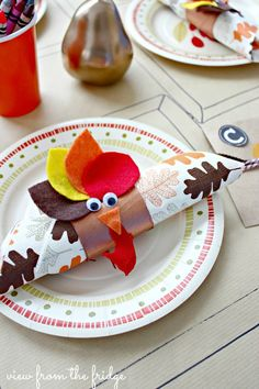 Fun and Festive Idea for a Kids' Table at Thanksgiving!  Very thrifty, too!  |  View From The Fridge